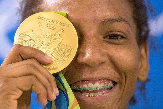 Rafaela Silva conquista primeiro ouro do Brasil - Olimpíadas 2016